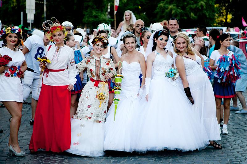 Парад наречених в Ужгороді, найочікуваніша подія літа 2013