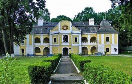 палац Перені
