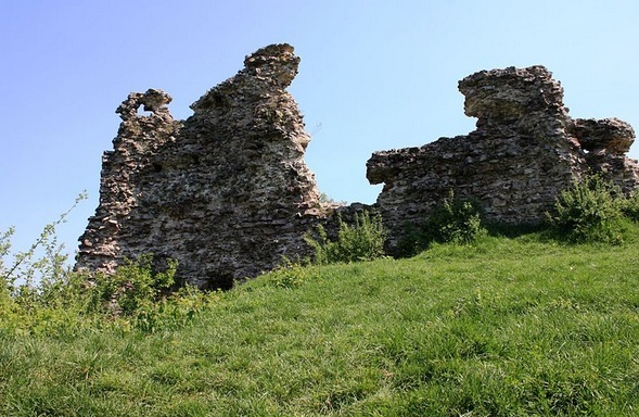 Королівський замок Нялаб