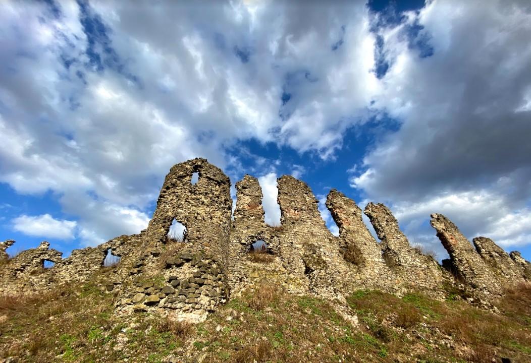 хустський замок, руїни