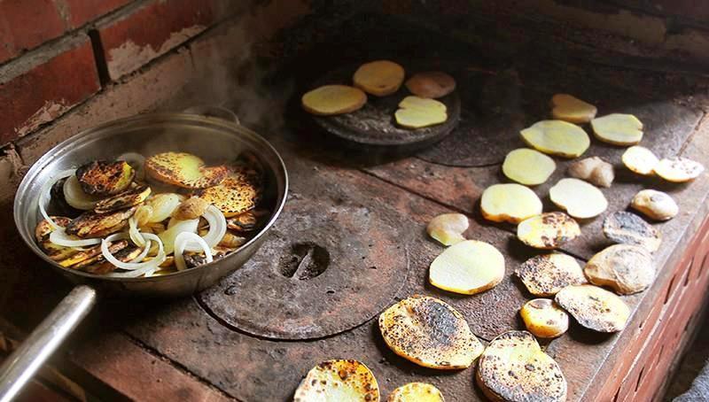Баньки, крумплі печені на шпаргиті