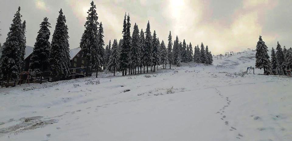 Драгобрат засипало снігом (Фото)