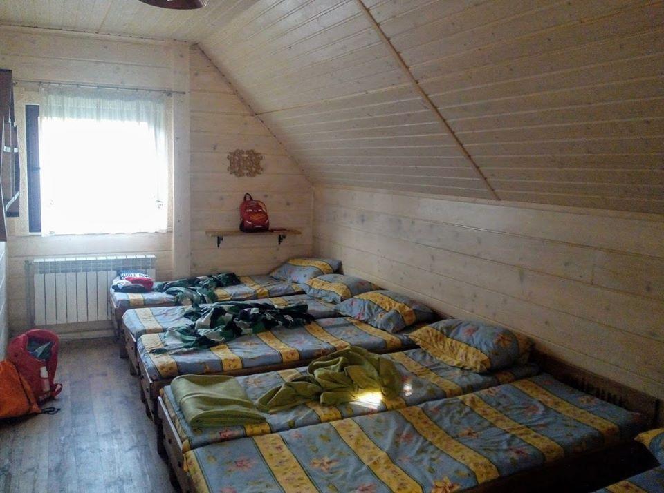 притулок Явірник - місце для ночівлі