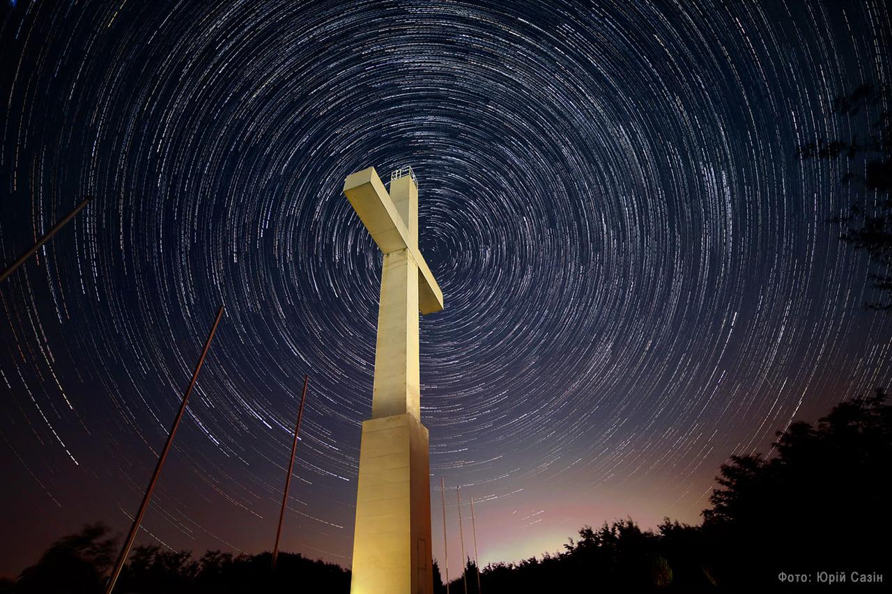 Щороку в атмосфері Землі можна спостерігати декілька метеорних потоків, але Персеїди – найпопулярніший.