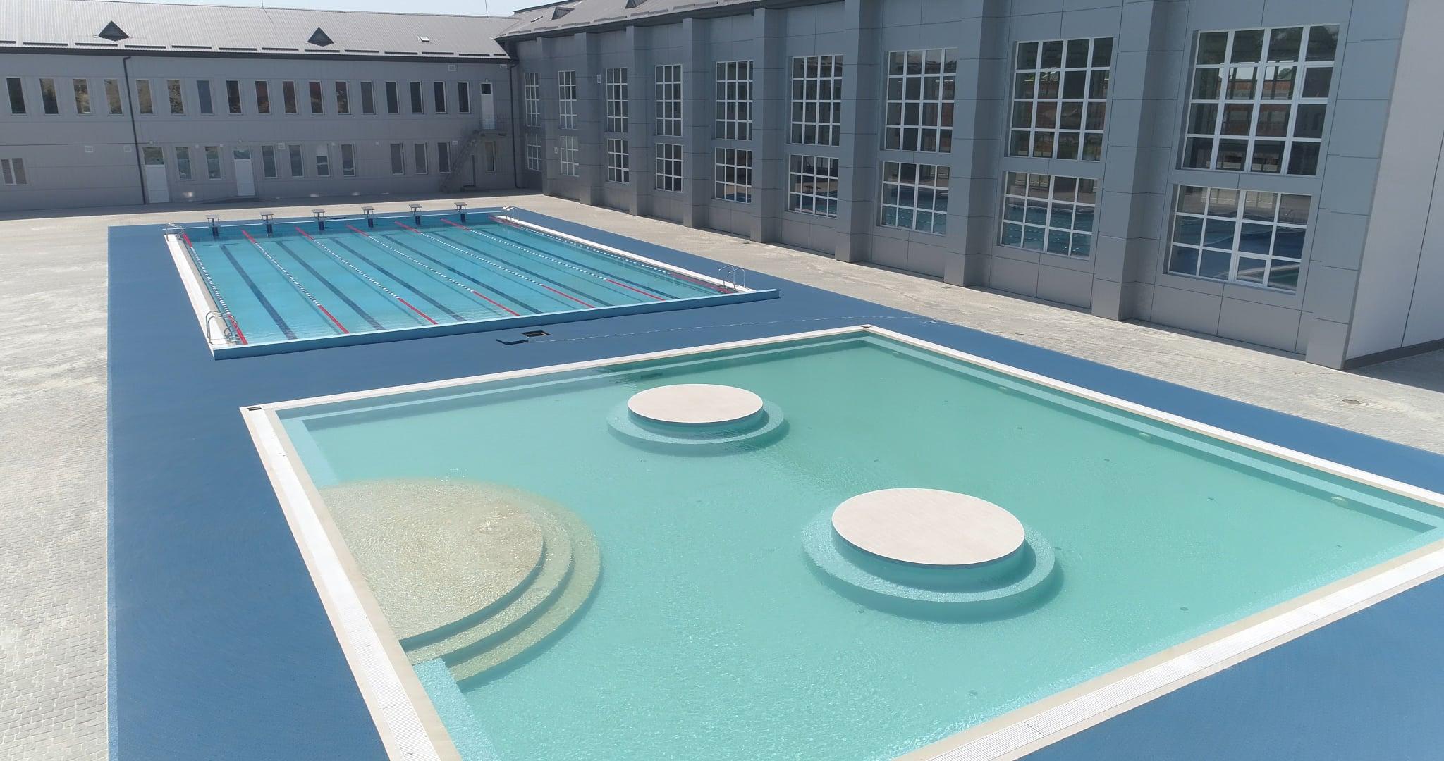 Відкриті басейни в Мукачево з прісною та термальною водою
