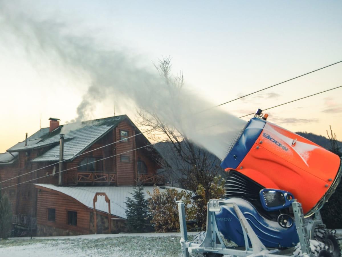 Технічне осніження для гірськолижних курортів України