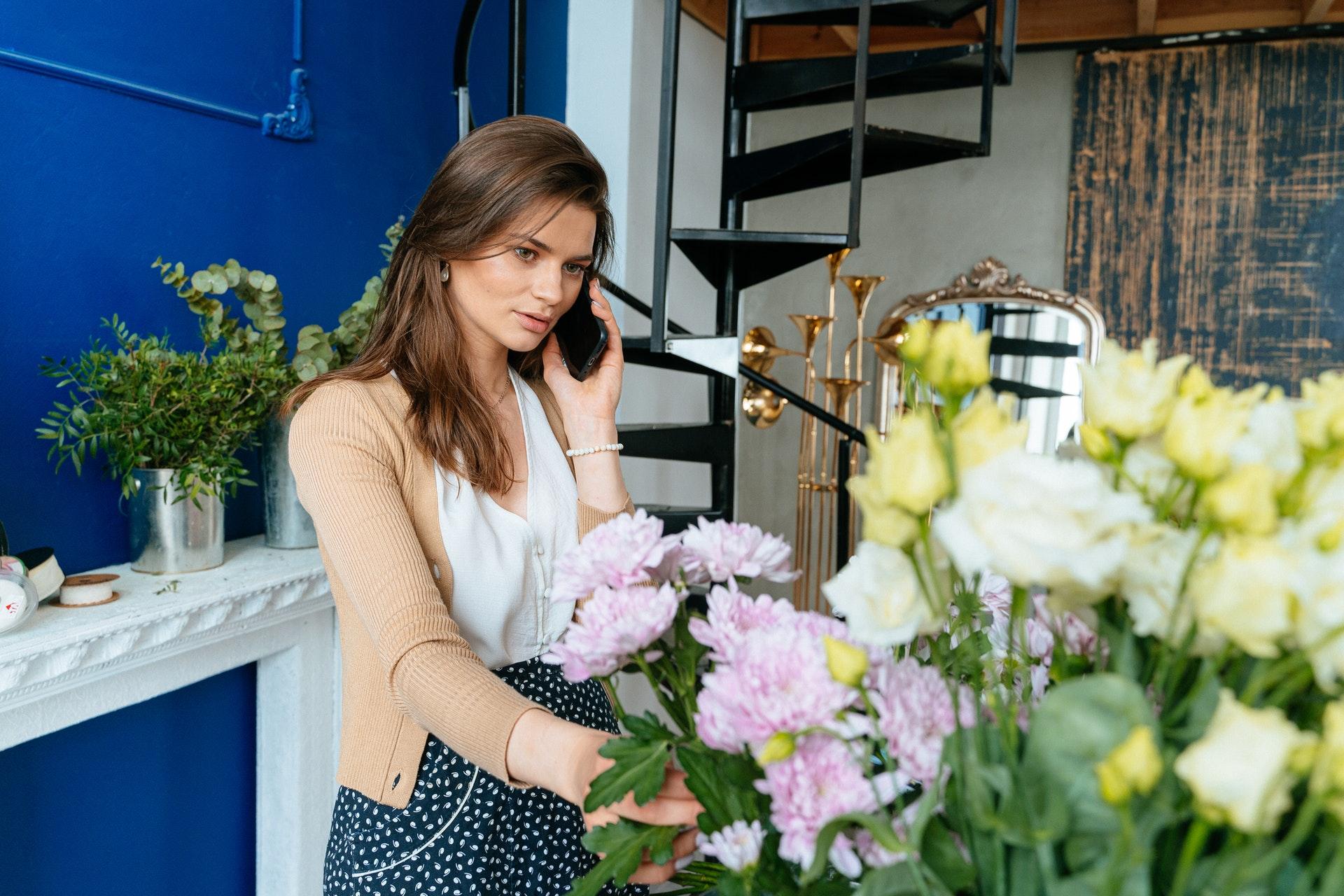 Привітай своїх рідних в Карпатах чи Закарпатті під час відпочинку - для квітів не треба спеціальних умов чи обставин, щоб їх подарувати.